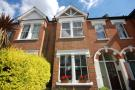 2 bed Flat to rent in Carlyle Road, London