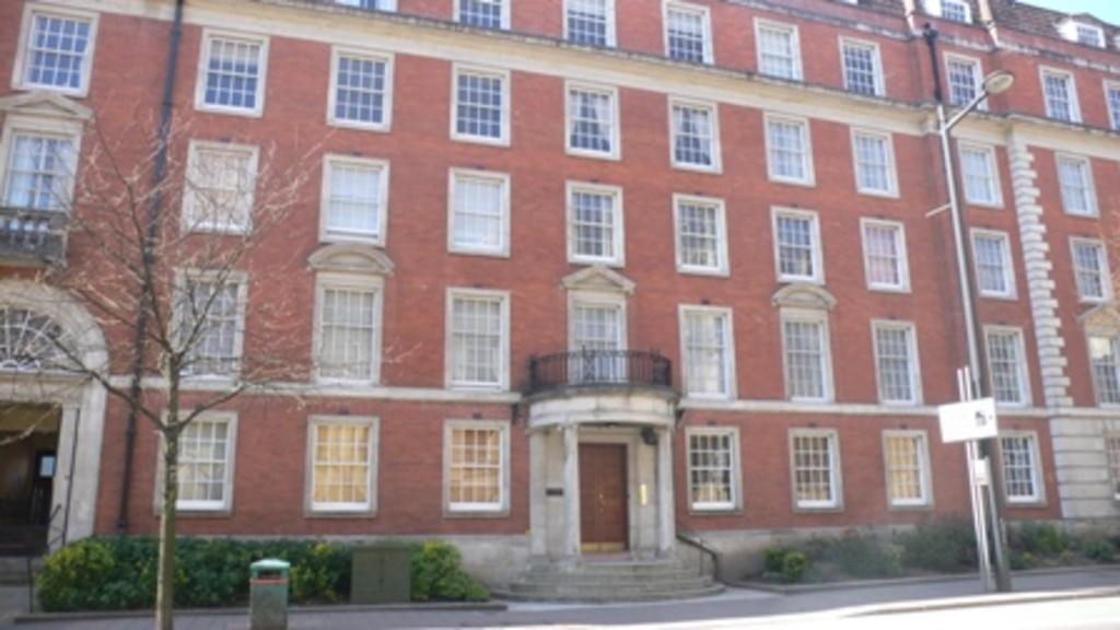 2 Bedroom Apartment For Sale In Windsor House Westgate Street City Centre Cf10