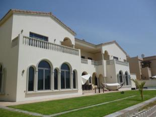 6 bed Villa for sale in Signature Villas...