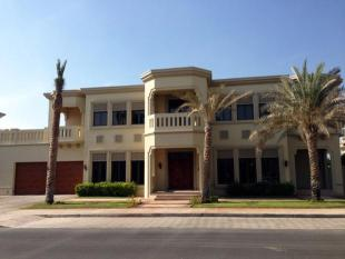 6 bed Villa in Signature Villas...