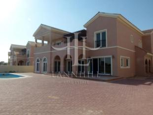 5 bed Villa in Valencia, Dubailand...