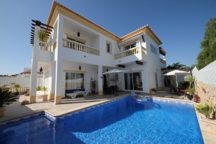 Villa for sale in Algarve, Lagos