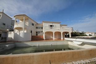 4 bedroom Villa for sale in Algarve...