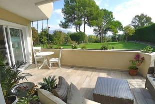Bungalow for sale in Estepona, M�laga...
