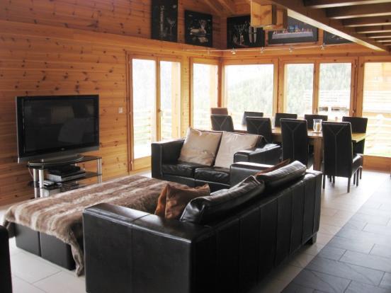 Large living floor