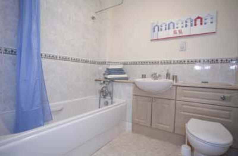 bathroom - web - 131G Union grove