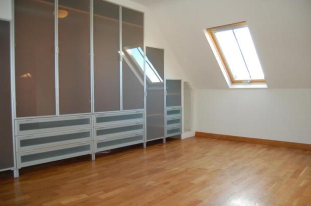 3 HS - Master Bedroom