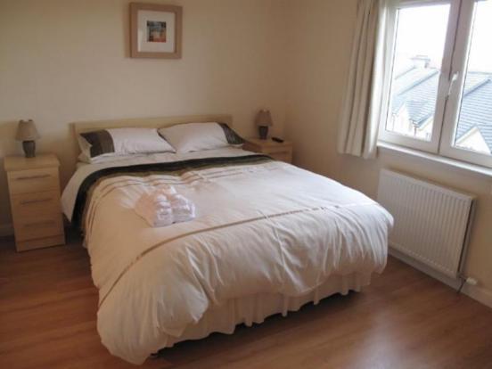 115 BWR - Master Bedroom_640x480