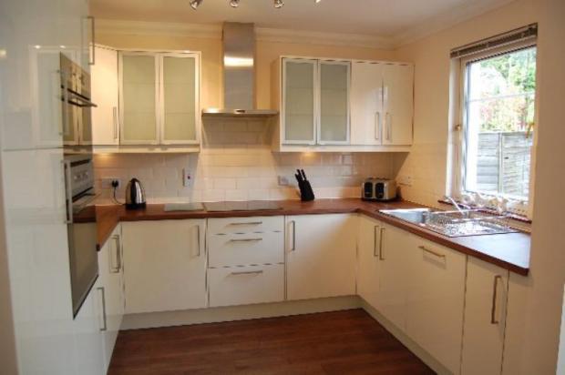 12 MR - Kitchen 1_640x425