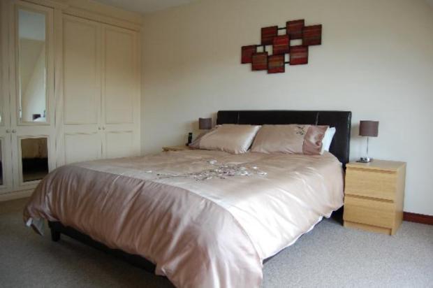 12 MR - Bedroom 1_640x425