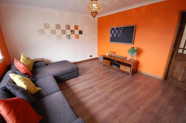 Lounge - pic 1