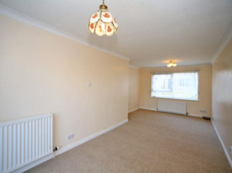 Newburgh Circle 220 _140 (10) living room