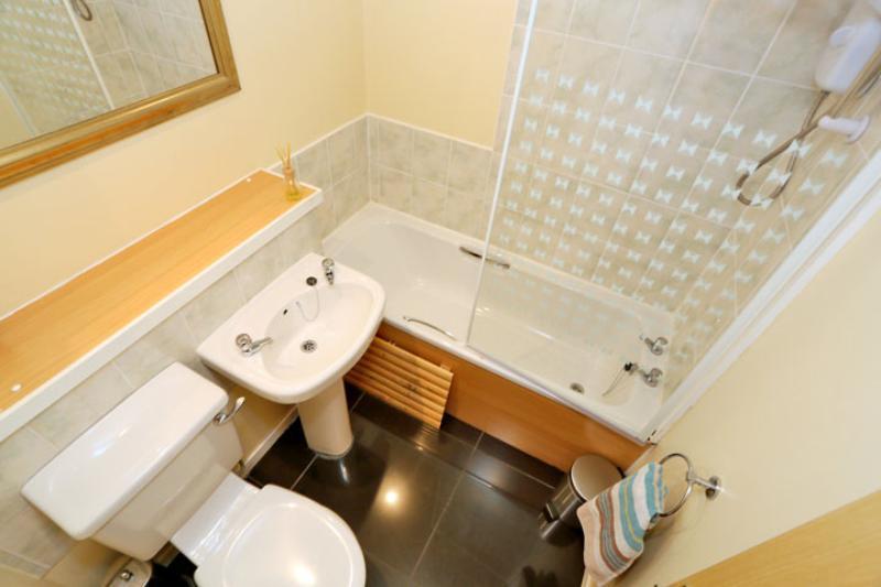 Langdykes Drive 51_483 Bathroom Alt