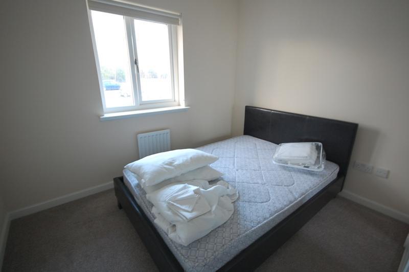 Bedroom 1 - 18