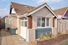 4 bedroom Bungalow in Peacehaven, East Sussex
