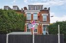 2 bed Flat in Hollybush Hill, Wanstead...