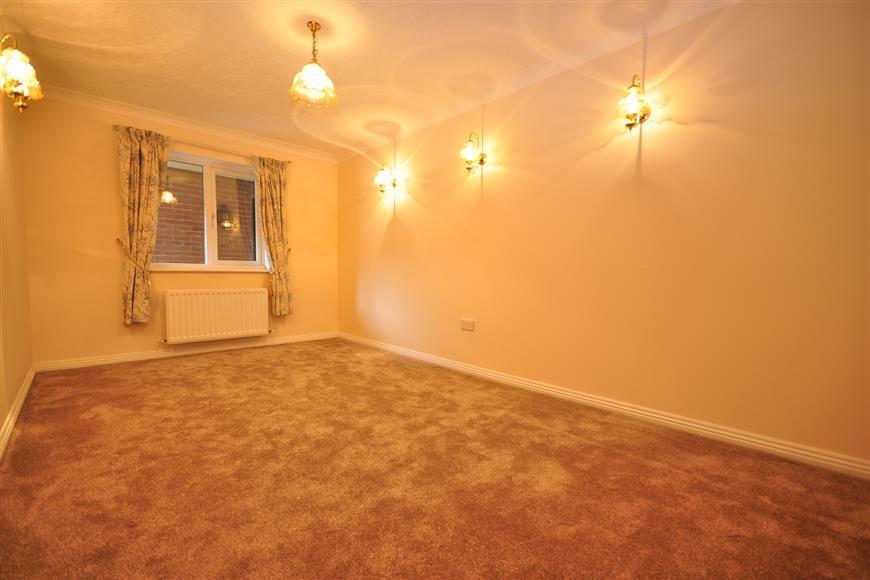 Bedroom 3/Dining Room=