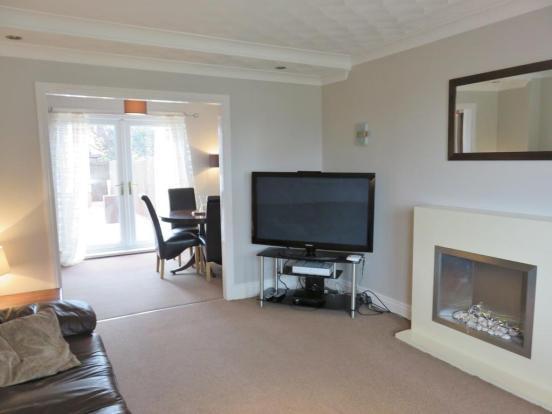 Dual Aspect Through Lounge/Dining Area
