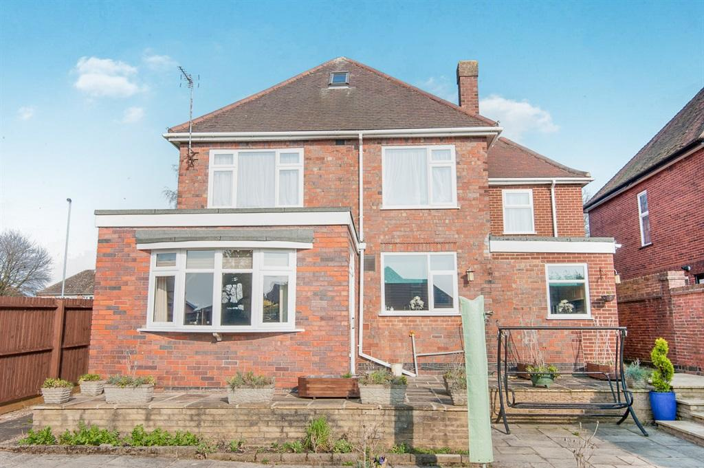 4 bedroom detached house for sale in dosthill road dosthill tamworth b77