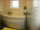 Newland Grove - Family Bathroom