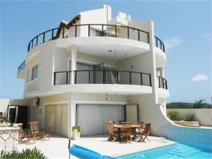 3 bed Villa for sale in Beachfront 3 Bed Villa