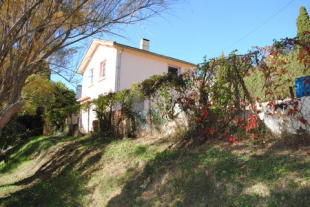 3 bedroom house in Languedoc-Roussillon...