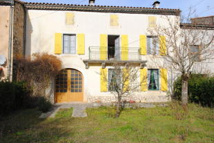 4 bedroom home in Languedoc-Roussillon...