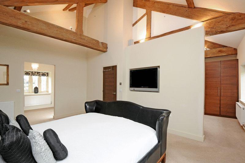 5 bedroom barn conversion for sale in 2 mill farm lane ashby de la zouch le65 Garage conversion master bedroom suite