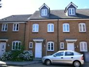 3 bedroom Town House to rent in Coles Close...