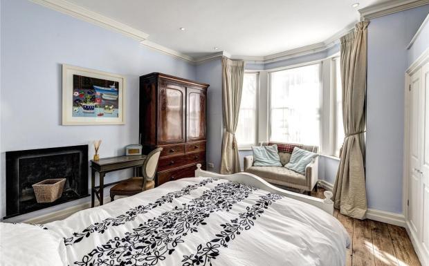 Master Bedroom -Lg