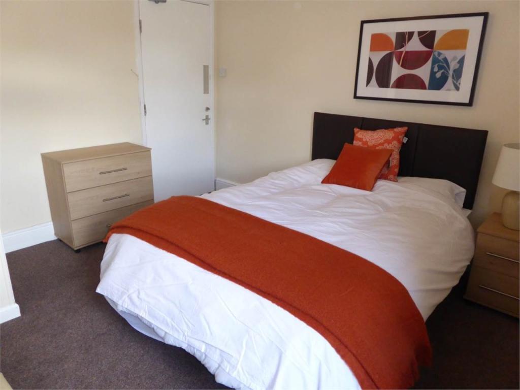 Bedroom 4 - 2