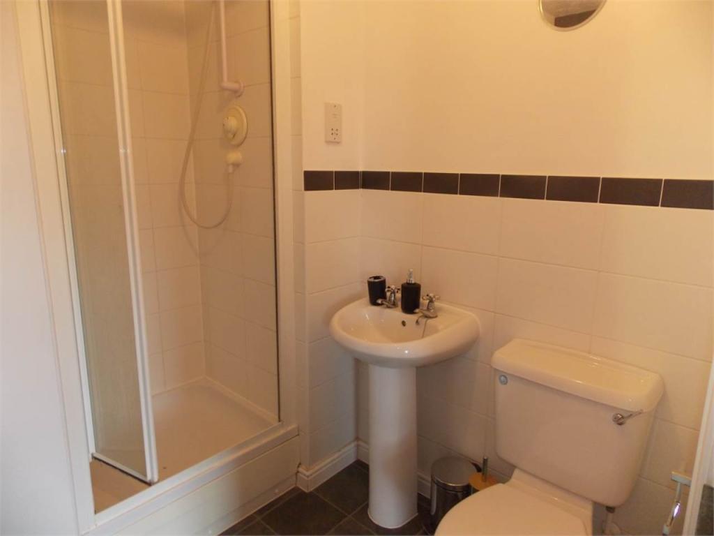 Bedroom 5 - en-suite