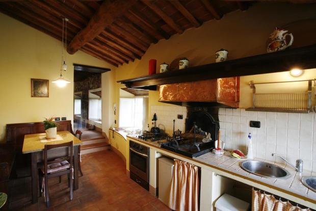 Lucca Villa Kitchen