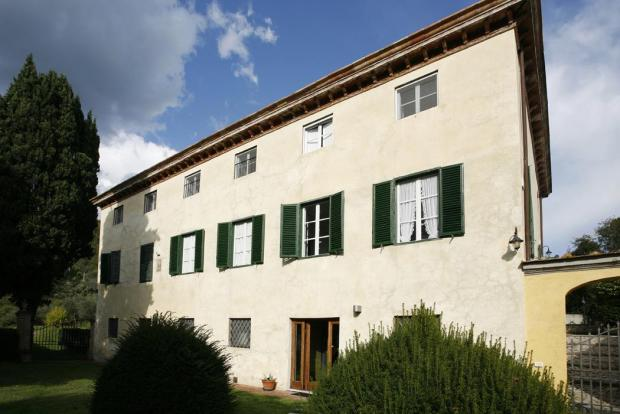 Lucca Villa