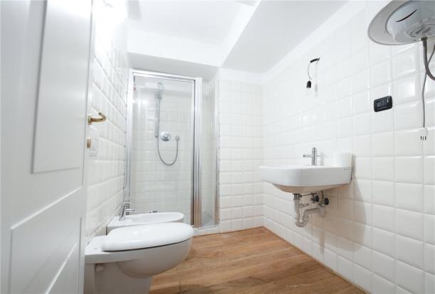 1A Bathroom