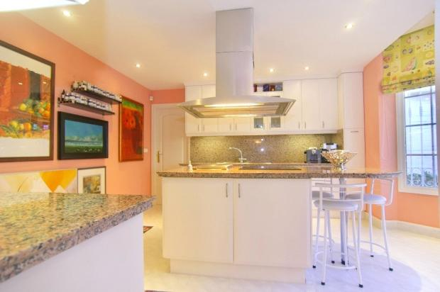 Kitchen: Marbella