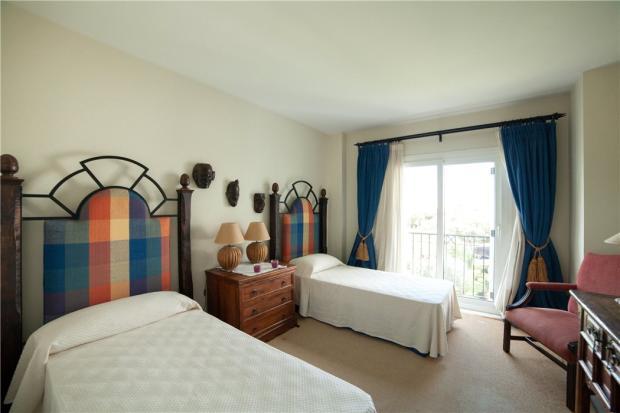 Doublle Bedroom