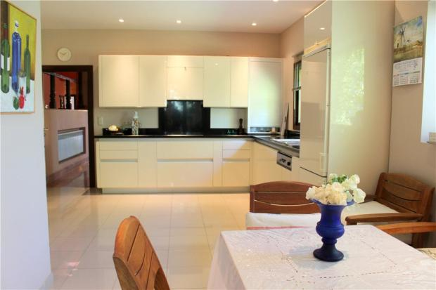 Kitchen: Marbella