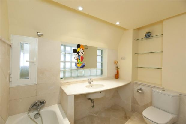 Dm 1621 Bathroom