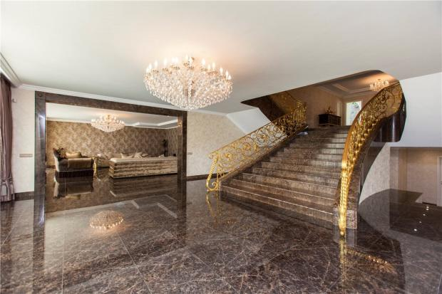 Marbella Hallway