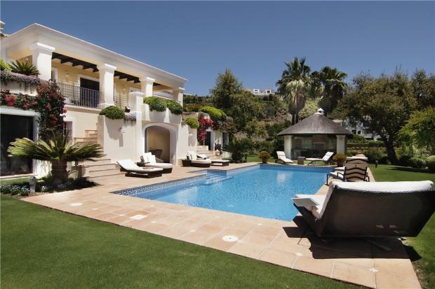 House, Pool,Gazebo