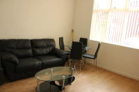 Ground Flat to rent in 4 Bell Lane...