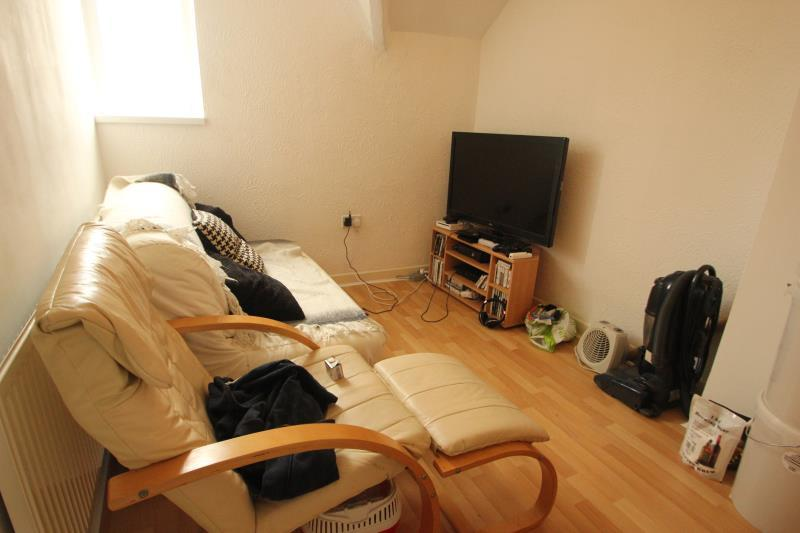 1 bedroom apartment to rent in caroline road mosley
