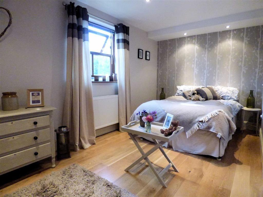 Bedroom 2 (L-Shape)