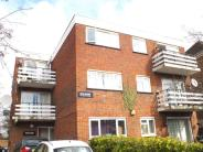 Flat in AVON COURT, LYNTON ROAD...