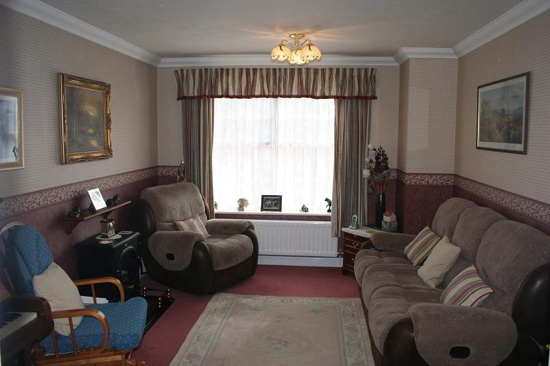 4 bedroom detached house to rent in jersey close