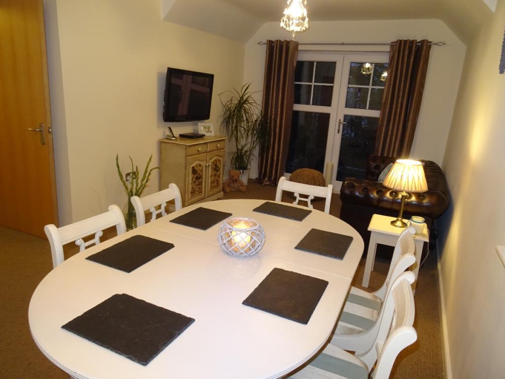 Living Room/Dinin...