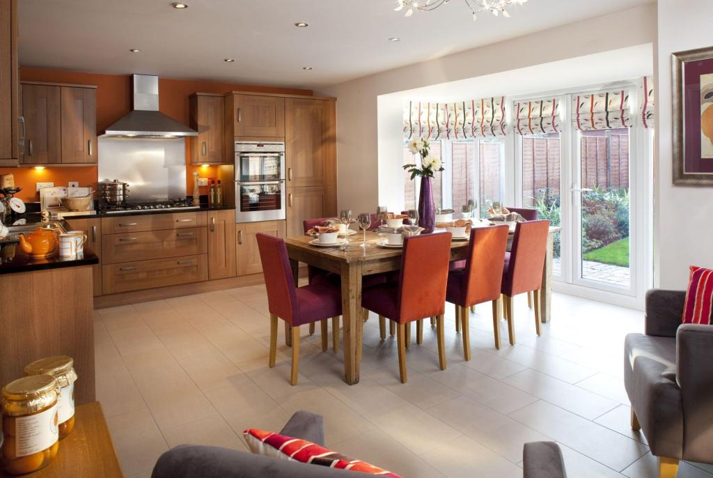 Bedroom Detached House For Sale In Gloucester Road Patchway