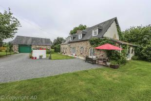 5 bed Detached property in Notre-Dame-de-Cenilly...