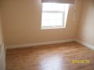 Flat to rent in High Street, Hounslow...